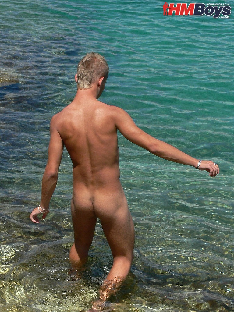 hmbjansen025 Twink skinny dipping...its all the rage!